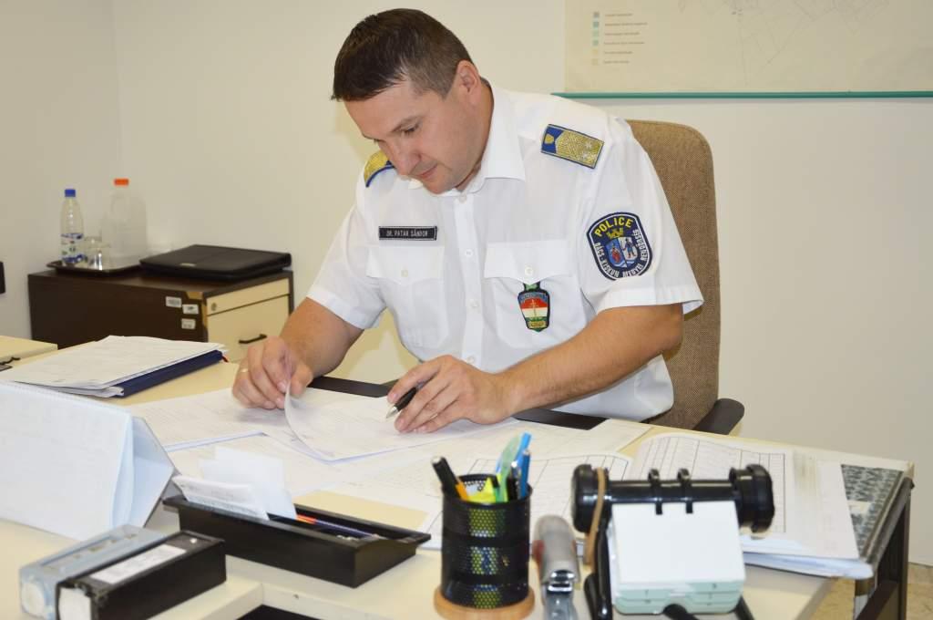 Kitüntetéssel ismerték el a város közbiztonságáért végzett két évtizedes munkáját
