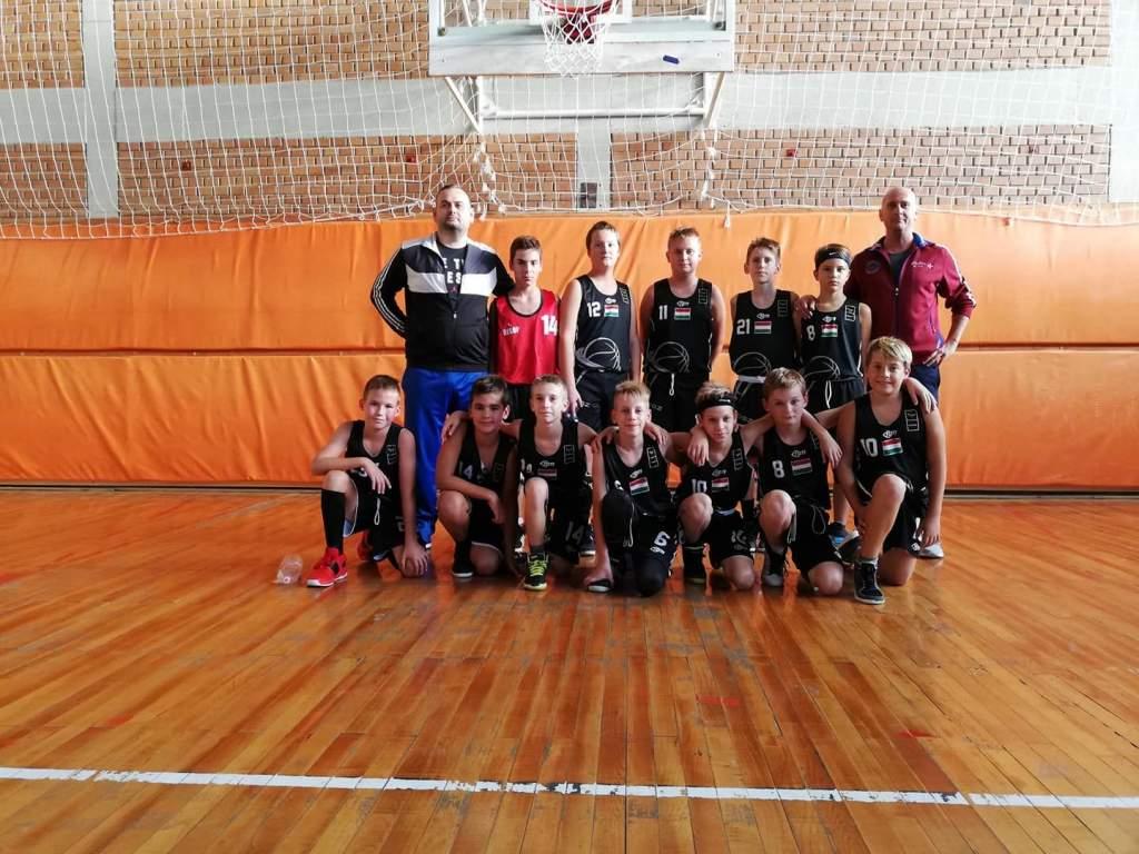 Ezüstérmes U12-es kosarasok Szerbiában