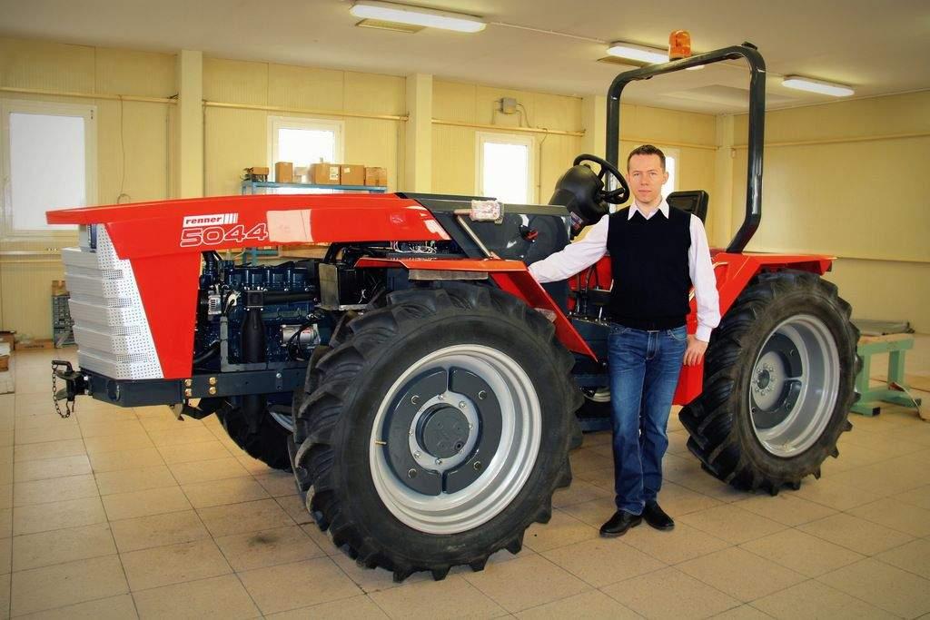 Új magyar traktort gyártanak Jánoshalmán