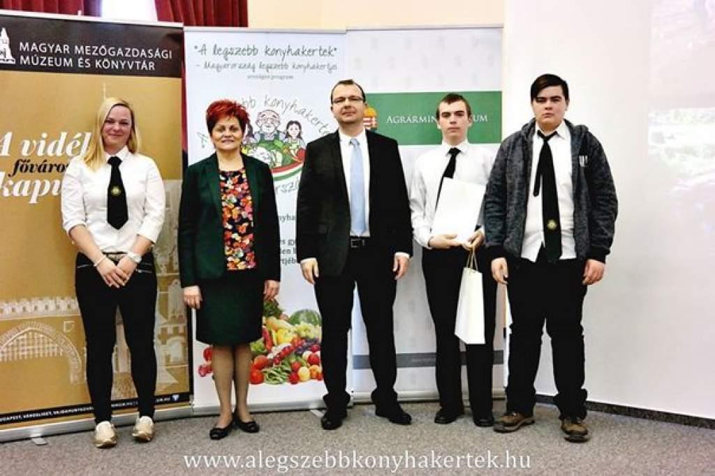 Országos elismerésben részesültek a mezgés kertmentők