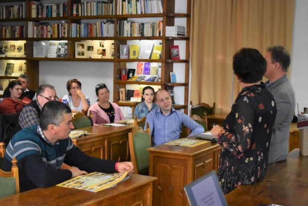 Moldvai csángómagyar pedagógusok a népfőiskolán