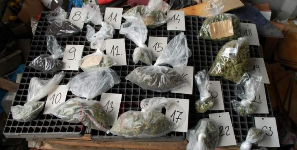 Kiporciózott kábítószer a kályhalyukban