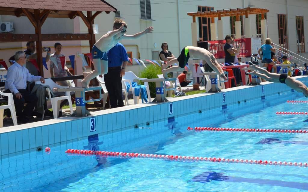 Sikerrel zárult a XVI. Kuchinka Vilmos Nemzetközi Úszóverseny