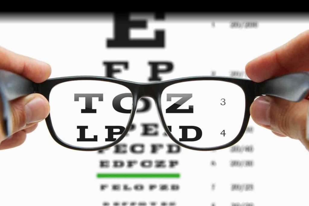 Ingyenes látásvizsgálat a művelődési központban
