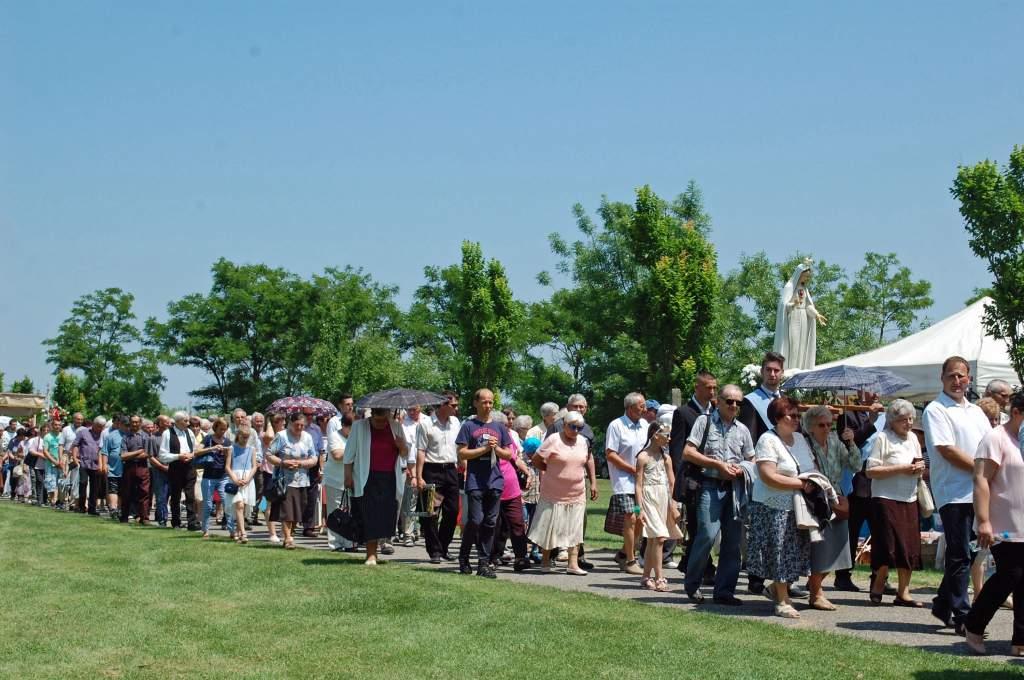 Idén is több száz pünkösdi zarándok érkezett Pálosszentkútra