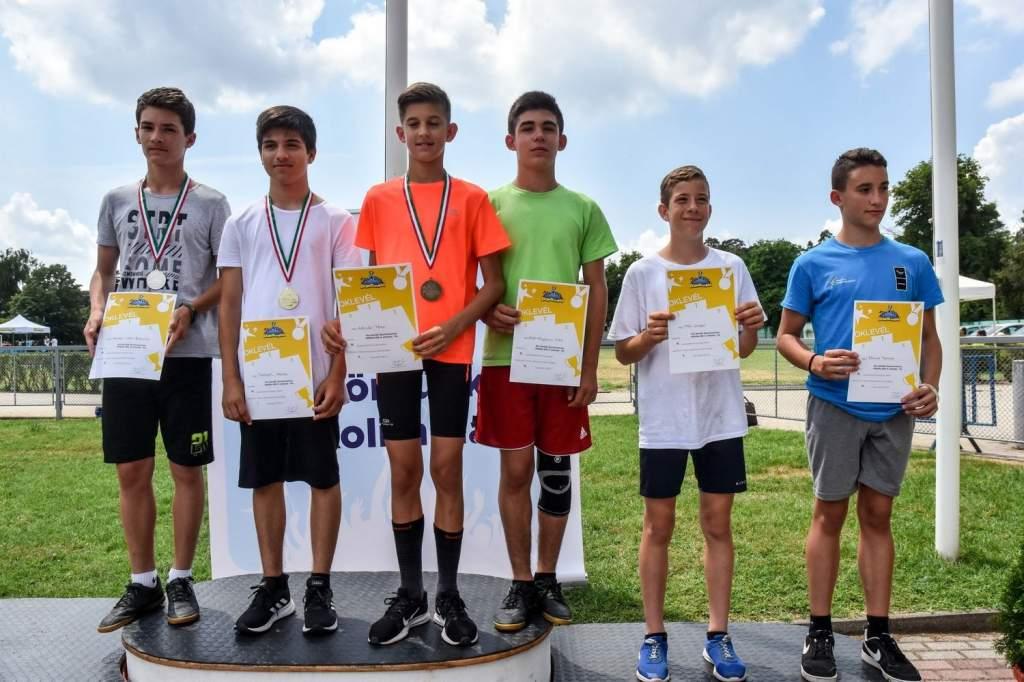 Kisiskolák versenyeztek Debrecenben