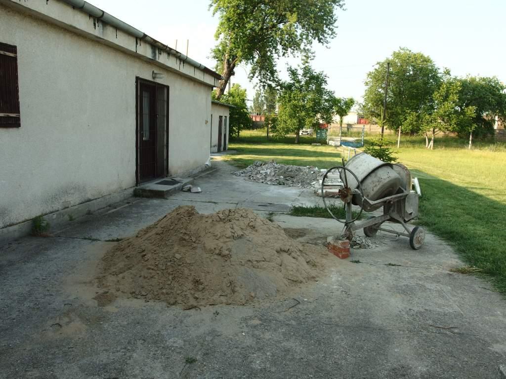 Felújítják a Vasutas SK öltözőit, megújították Miskolczi István sírhelyét
