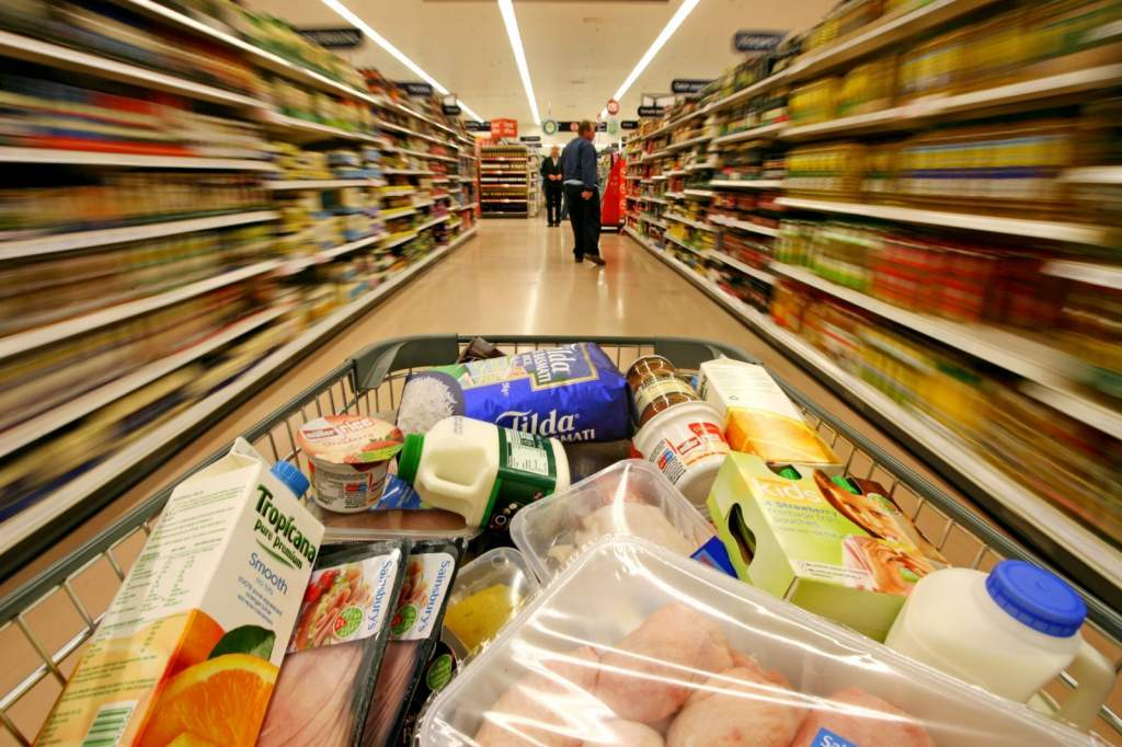 200 tonna hamis élelmiszert foglaltak le a hatóságok