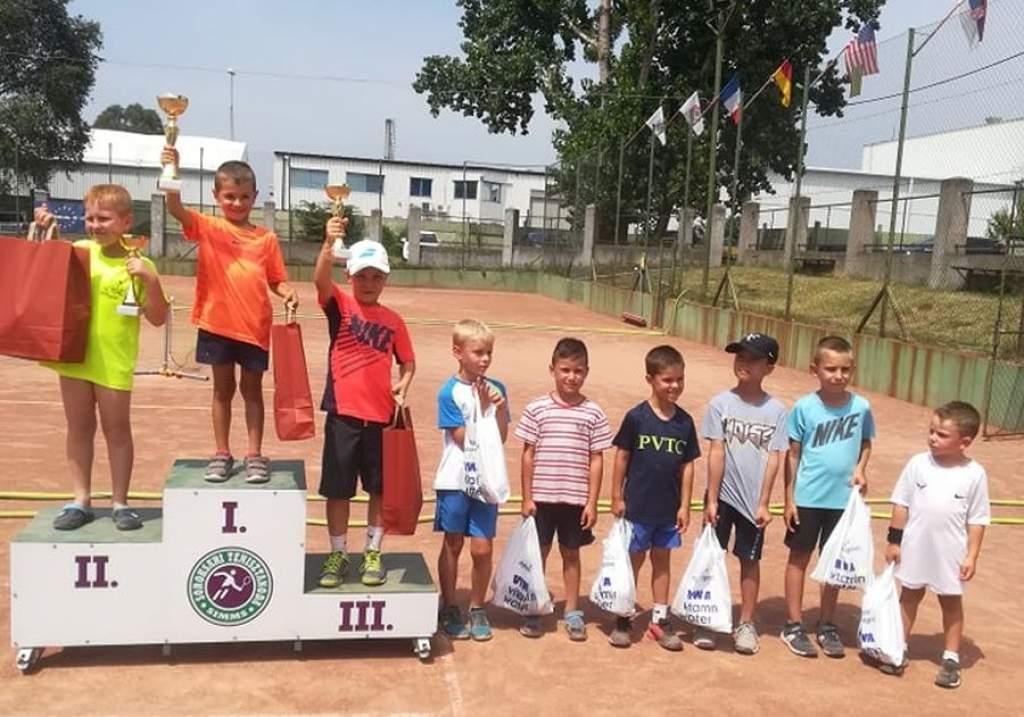 Joggingos sikerek a soroksári gyermek teniszversenyen