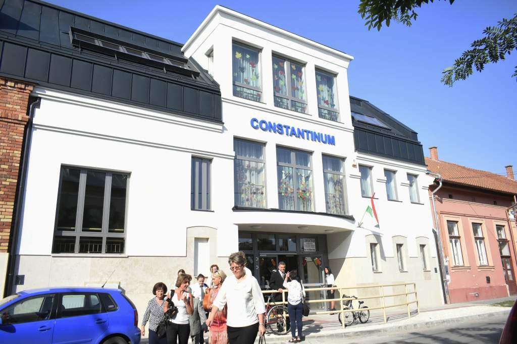 Érseki áldással adták át a Constantinum Intézmény új általános iskoláját