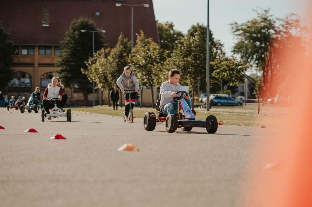 Autómentes Nap az életmentés és a sportos szórakozás jegyében
