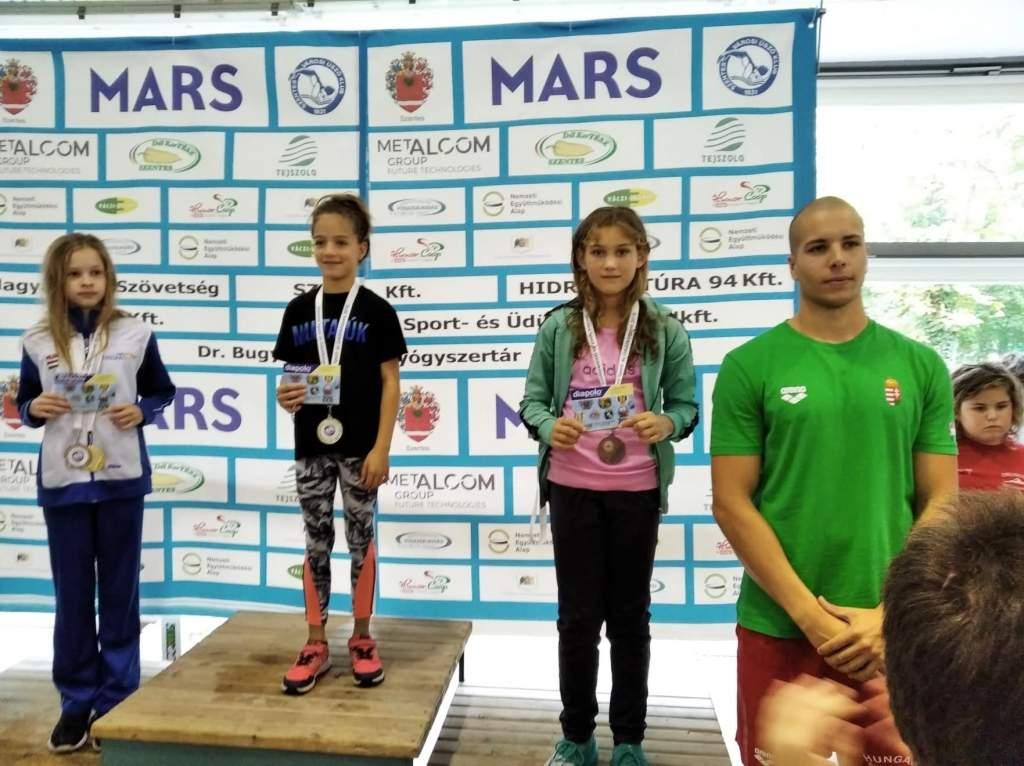 Kiváló eredmények a szentesi úszóversenyen