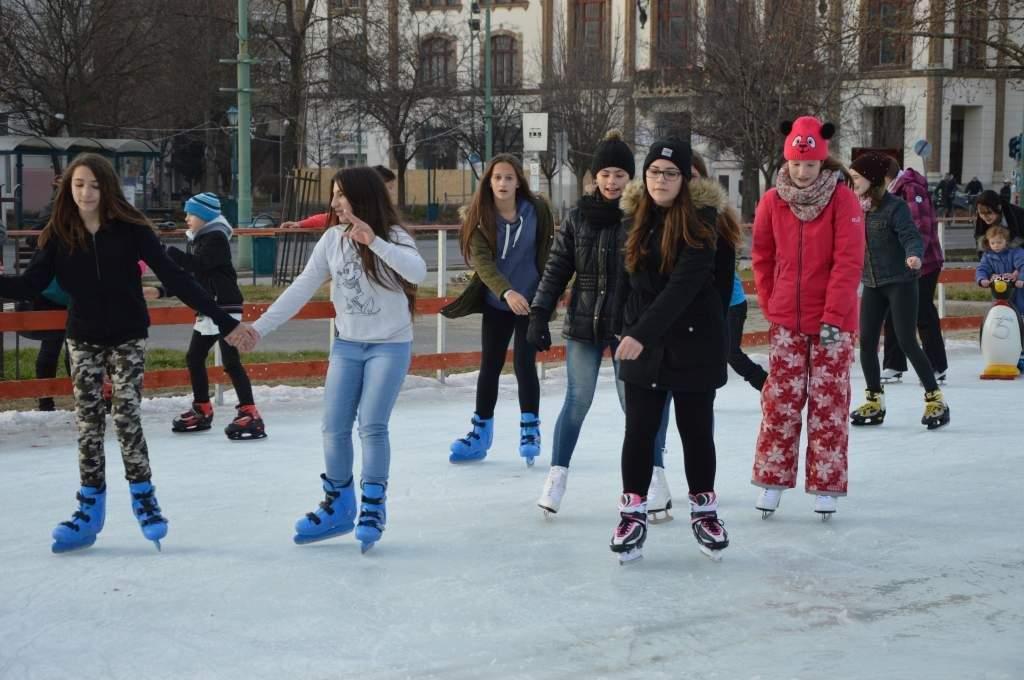 Nincs advent korcsolyázás nélkül