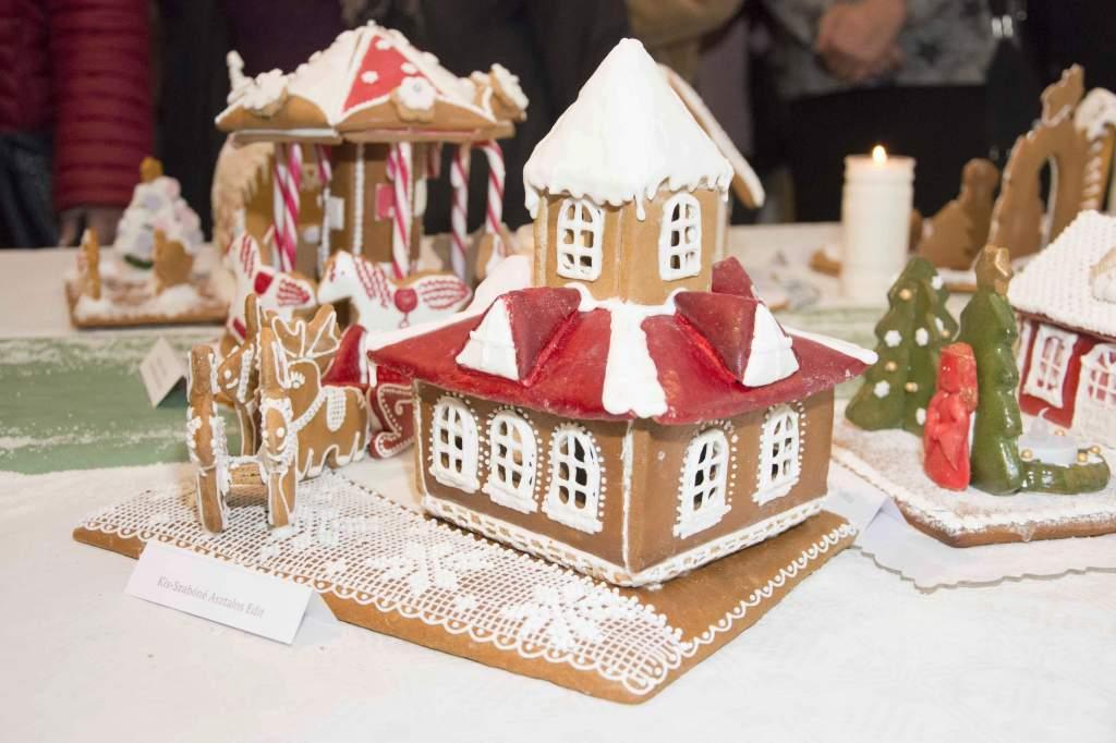 Építsük meg Kiskunfélegyháza karácsonyi mézeskalács mesevárosát!