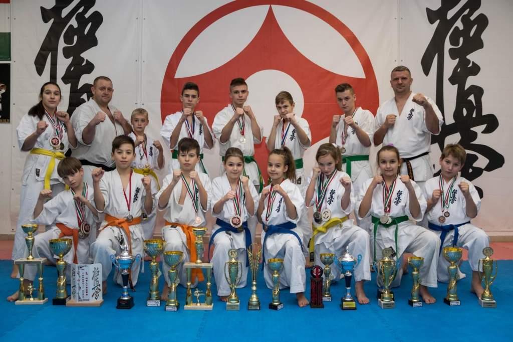 Sikeres évet zártak a félegyházi Kyokushin Kumite Sport Egyesület tagjai