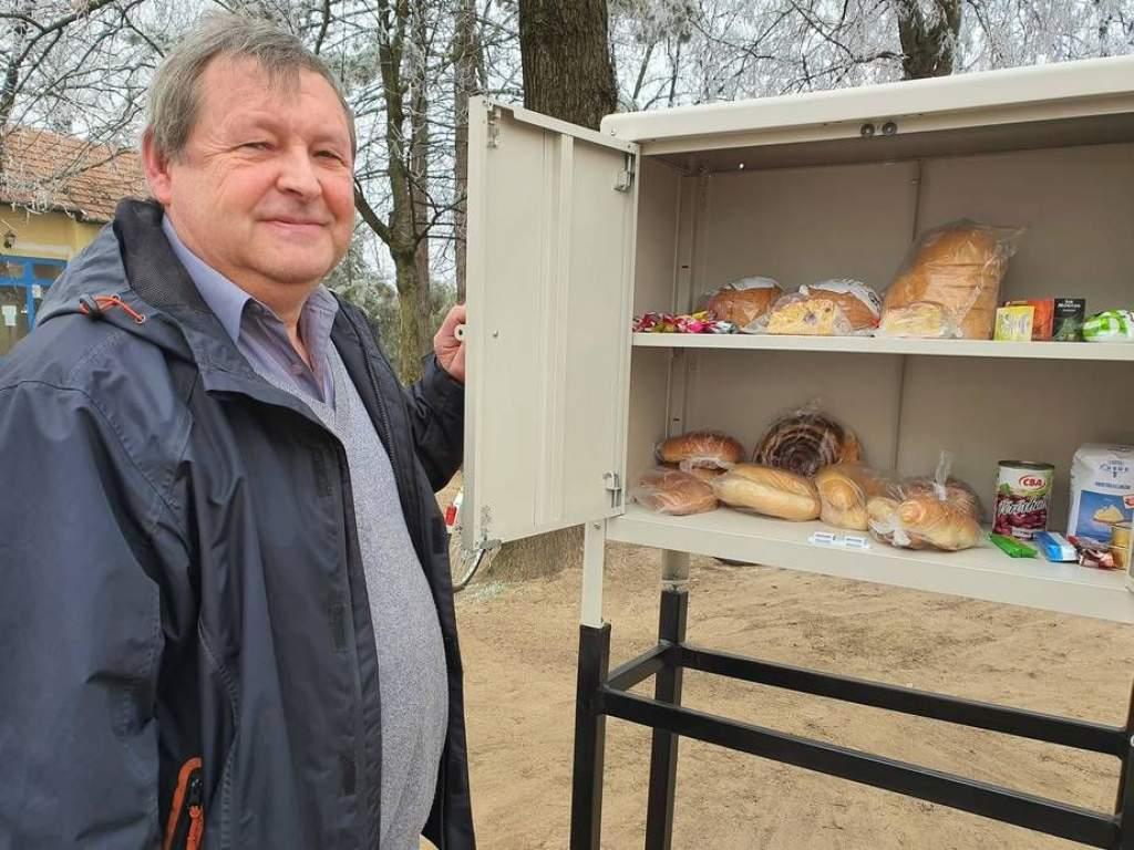 Élelmiszerszekrény, rászorulóknak