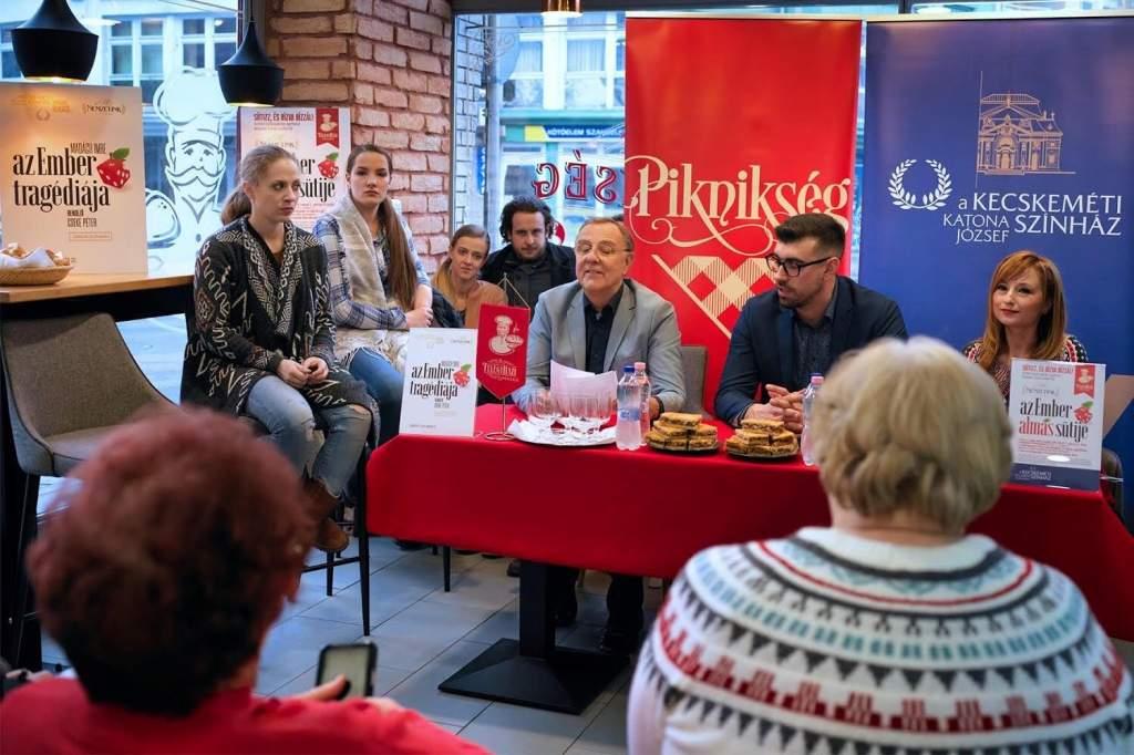 Kulturális együttműködést kötött a Katona József Színház és a Félegyházi Pékség