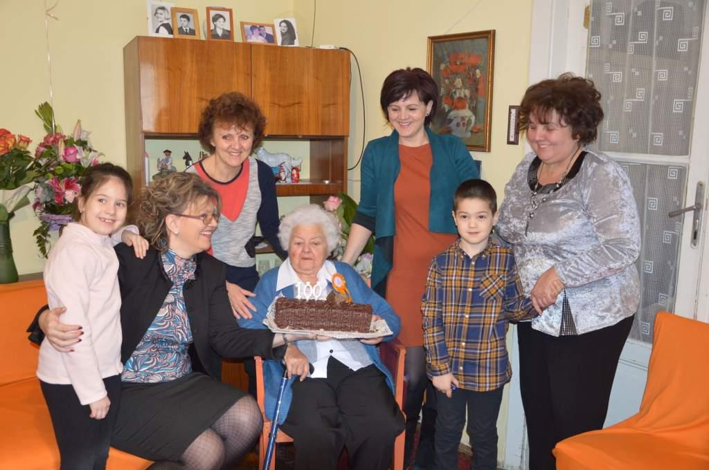 100 éves lett Margitka néni