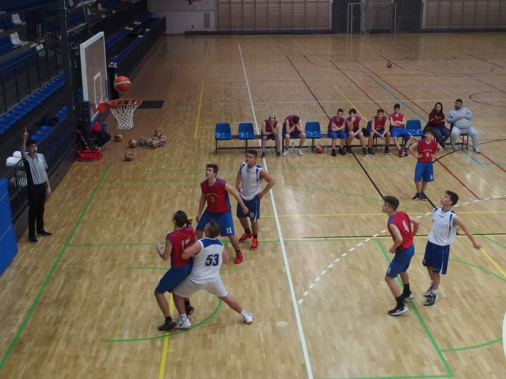 Két mérkőzést nyertek a junior kosarasok