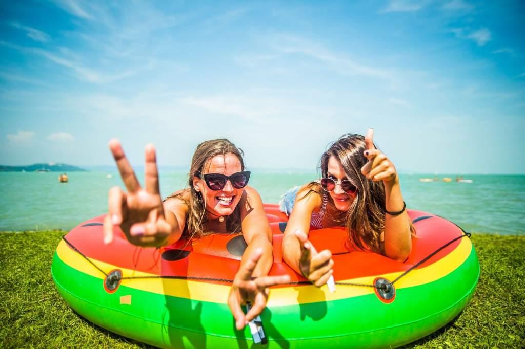 Idén újabb 86 strand újul meg országszerte