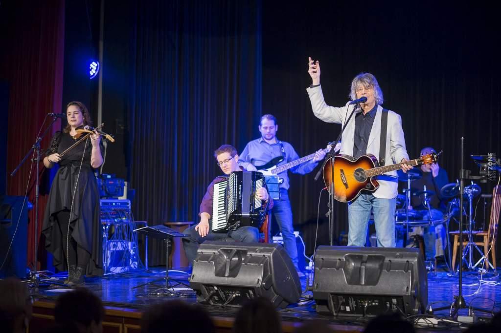 Kiskunfélegyházán adott koncertet Bródy János