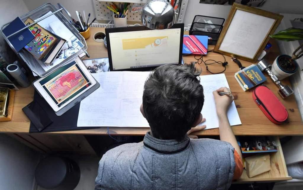Digitális oktatás – lassítsunk egy kicsit!