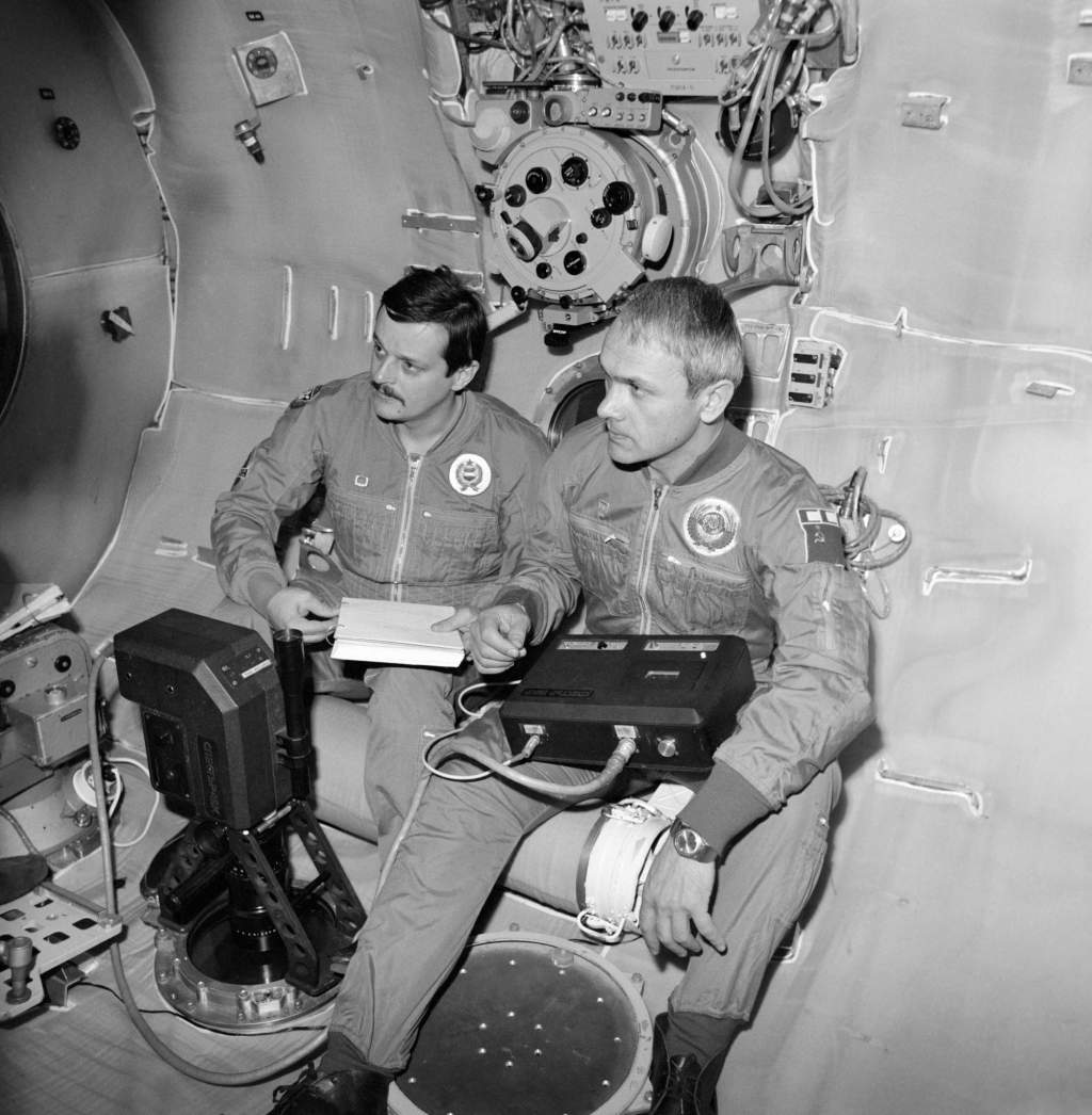 Nem halványul kiképzett űrhajósunk emléke