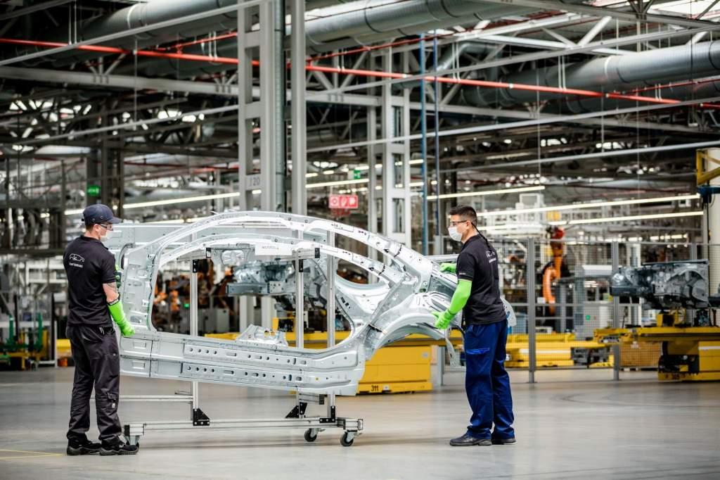 Újraindul a termelés a kecskeméti Mercedes-Benz gyárban