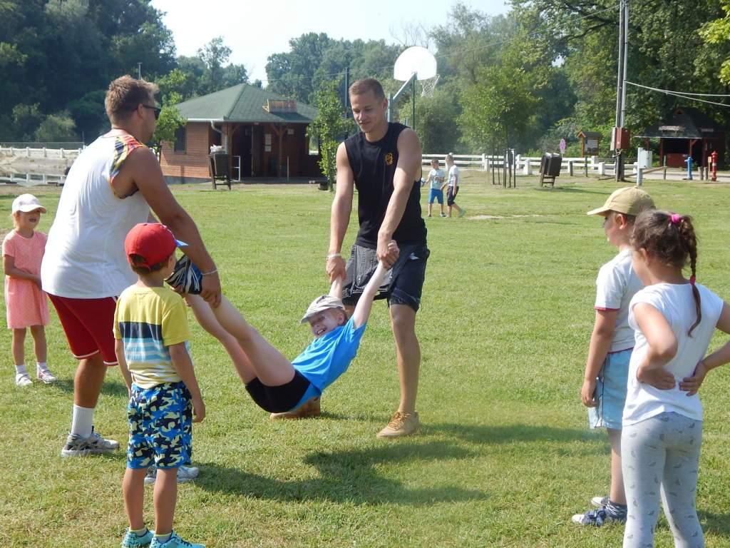 Körkérdés: Lesznek-e gyerektáborok a nyáron?