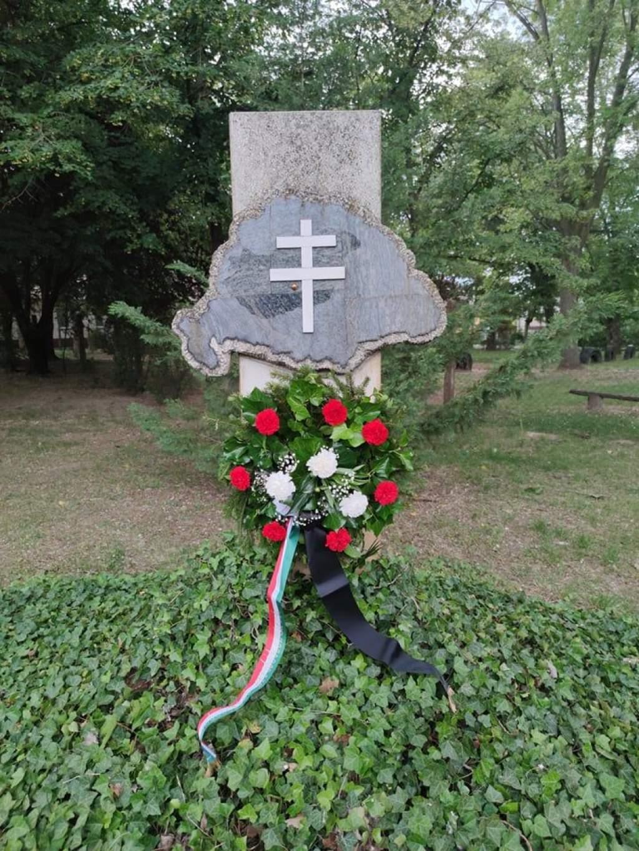 A Milleneumi Emlékműnél emlékeztek fülöpjakabiak