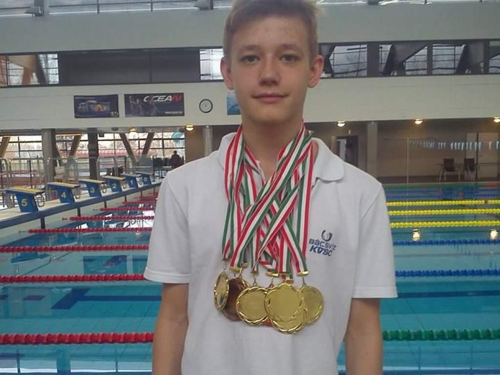 Országos csúcsokat úszva győzött Kocsis Marcell