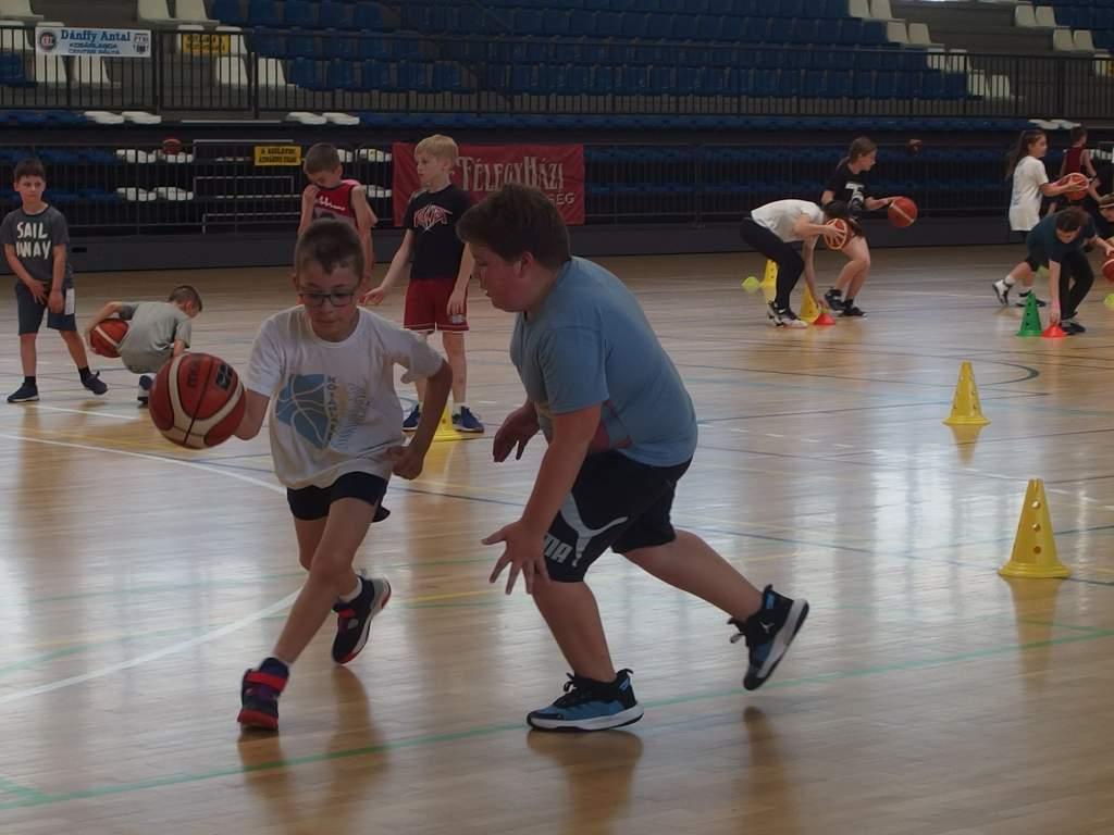 Kosárlabdatábort szervezett az FTSI