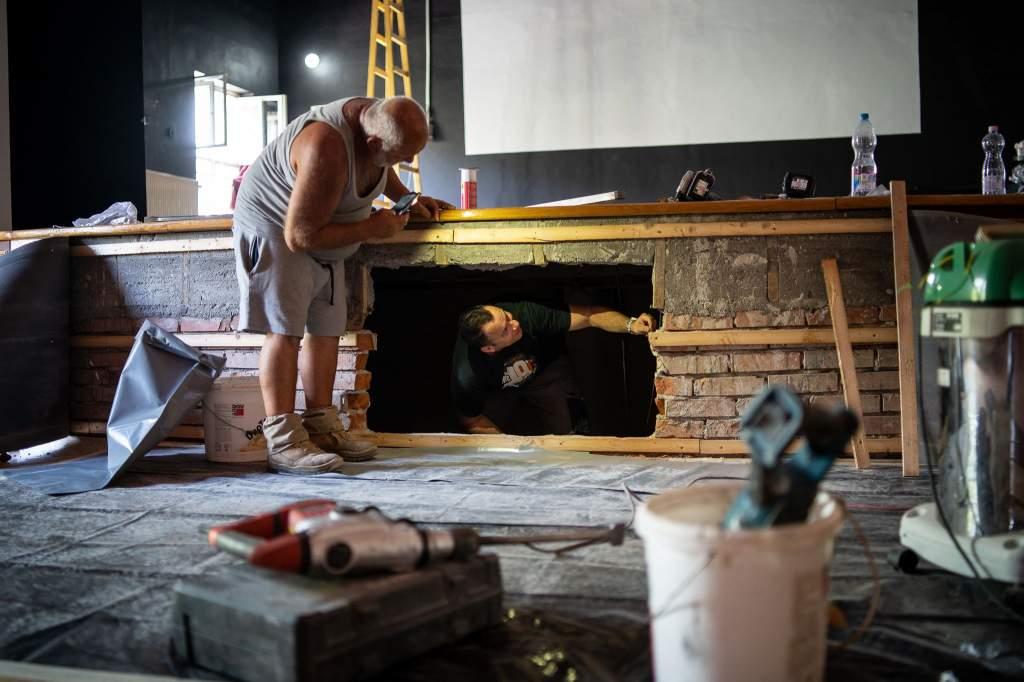 Megújul a Móra Ferenc Művelődési Központ színháztermének színpada
