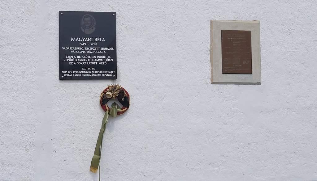 Emléktábla Magyari Béla tiszteletére