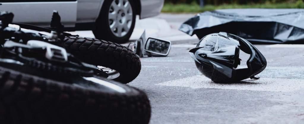 Meghalt egy motoros a Félegyháza és Alpár közötti balesetben