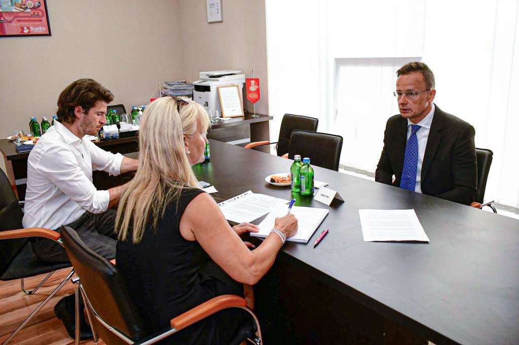 Szijjártó Péter szerint a magyar vállalatok most megerősödhetnek a nemzetközi piacokon