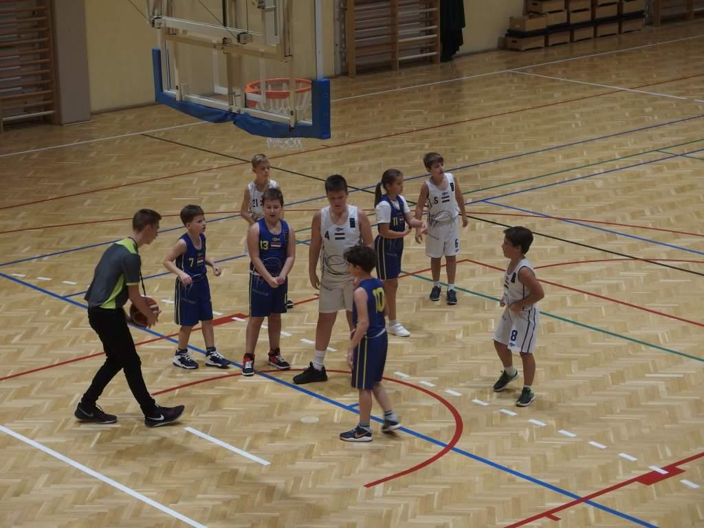 Megkezdték szereplésüket az U11-es kosárlabdacsapatok