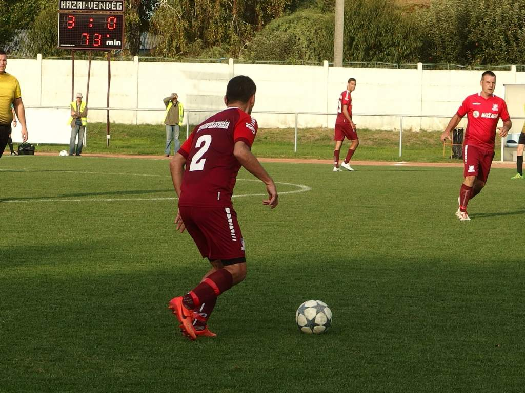 Négy góllal nyert KHTK II.