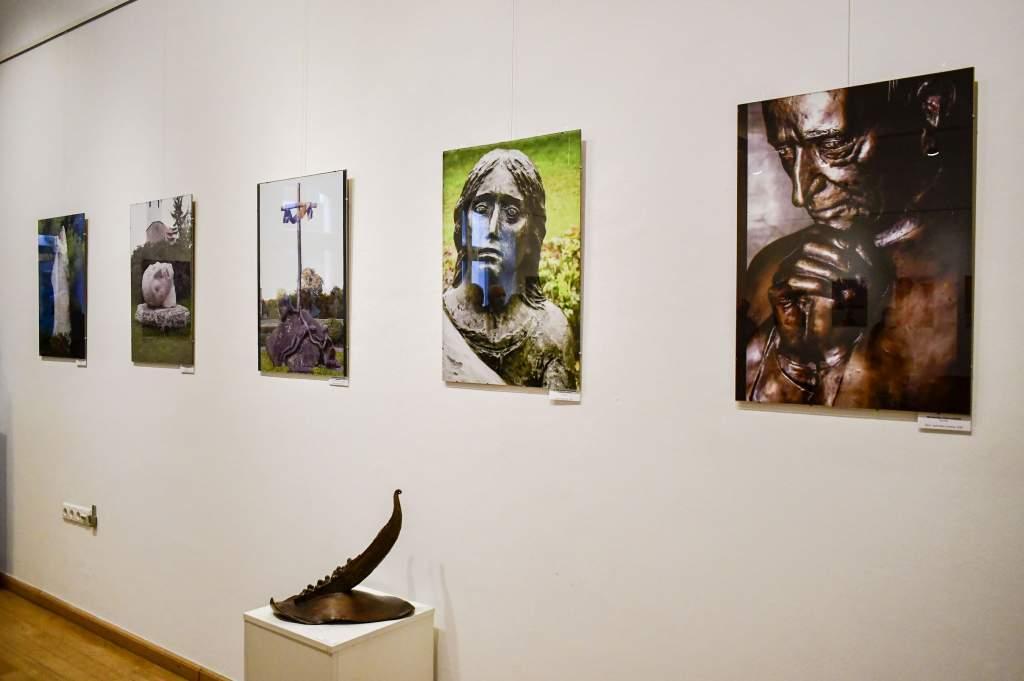 Rieger Tibor szobrászművész tárlata a Hattyúházban