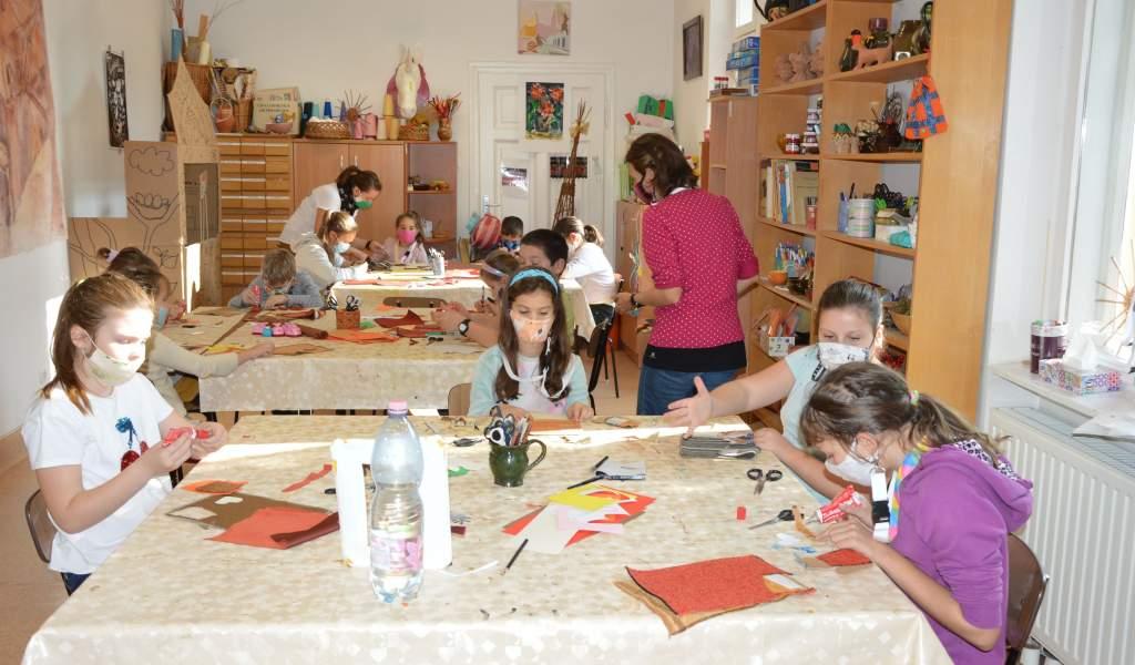 Alkotó elfoglaltság gyerekeknek az őszi szünetben