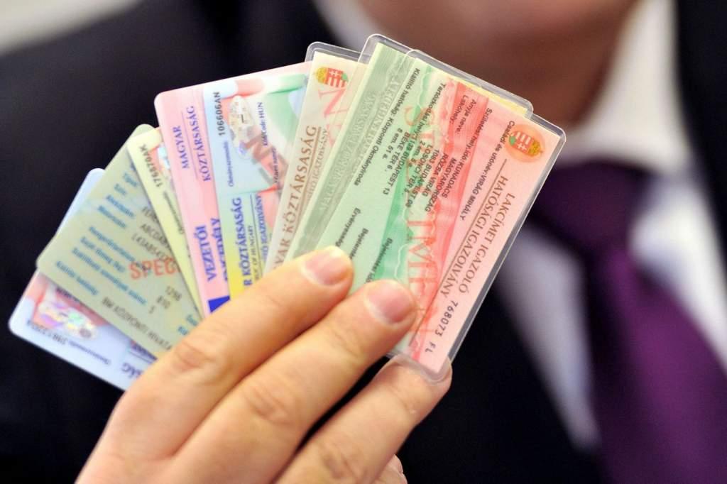 Ismét meghosszabbítja a kormány a lejárt okmányok érvényességét