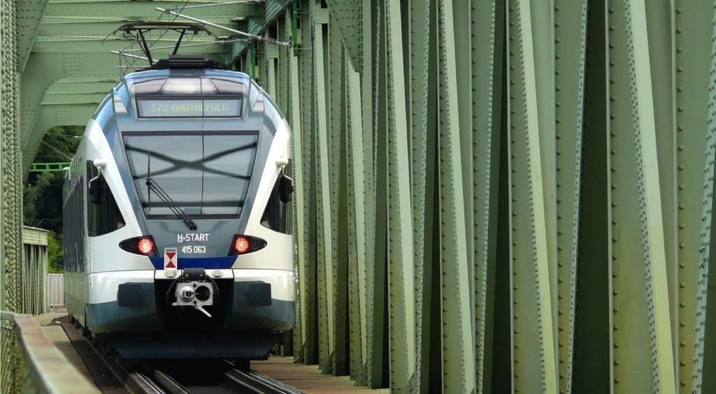 Képek az ország vasútjairól – Rendhagyó várótermi kiállítás