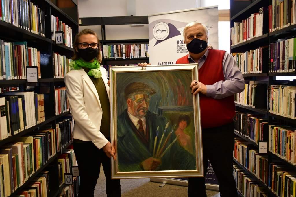 Újabb alkotással bővült a könyvtár festménygyűjteménye