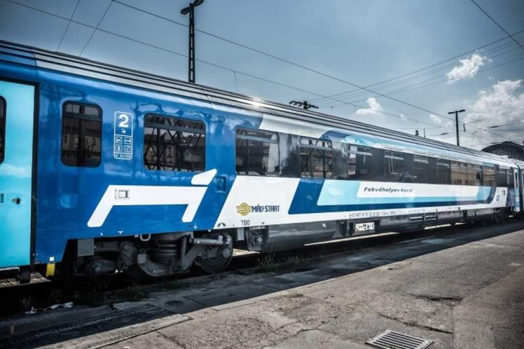 Több száz vasúti jármű újul meg