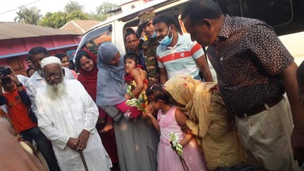 Két év után hazatérhettek a magyar orvosok által szétválasztott bangladesi sziámi ikrek