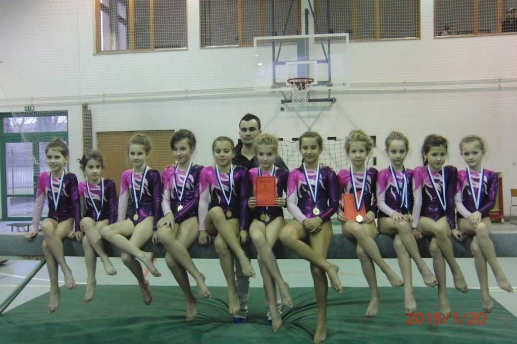 Diákolimpiai lánysiker tornában