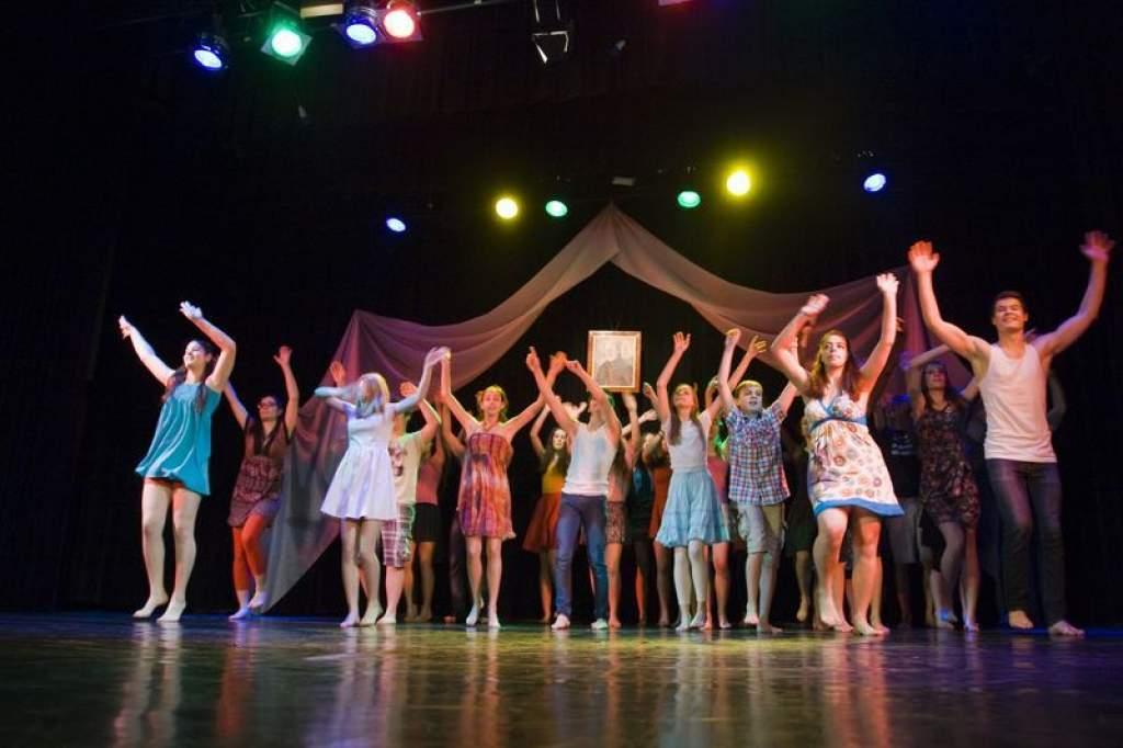 Zenével, tánccal, prózával ünnepelte Félegyháza a kultúrát