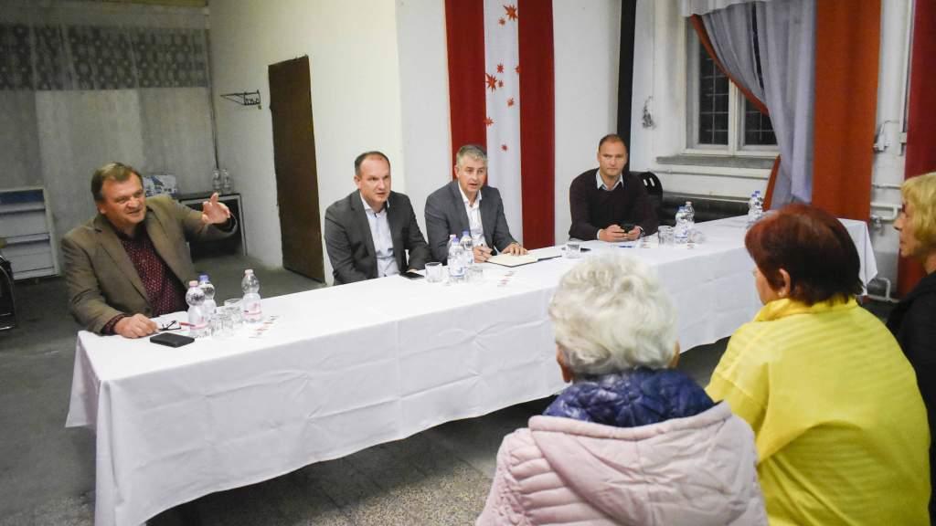 A selymesi közösségi házban találkoztak a 10. számú választókörzet lakói