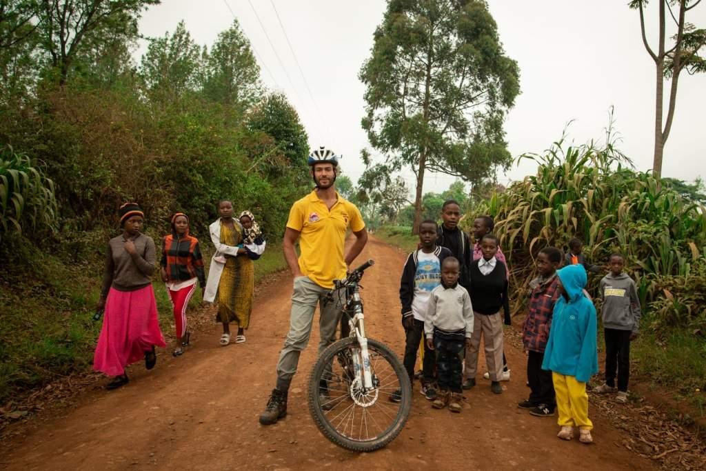 Zichó Viktor felért a Kilimandzsáró csúcsára