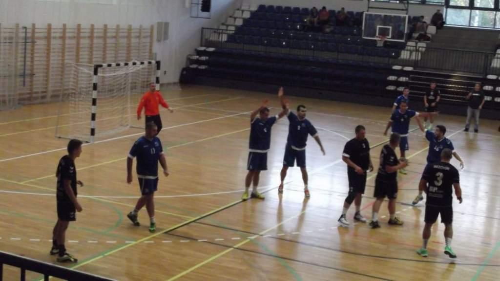 Bravúros győzelemmel előzött a kézilabdacsapat